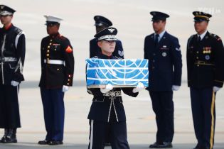Військові почесті і прапори: як у США вшанували останки американських солдатів із КНДР