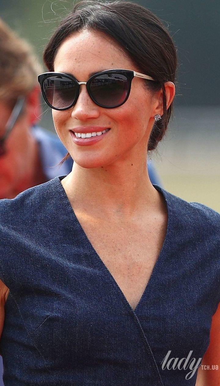 Несподіваний вихід  герцогиня Сассекська Меган прийшла на матч з поло в  сукні за 3 тисячі ... f0d77ca88ae42