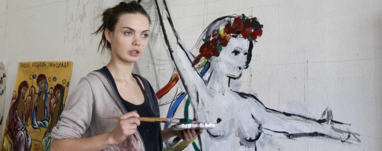Співзасновниця Femen повісилась у шафі після сварки з бойфрендом – подруга