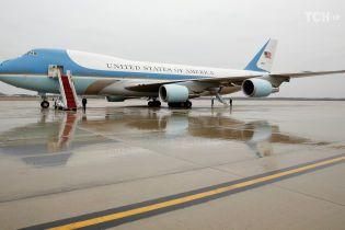 Британец сфотографировал американский борт №1 над своим городом. Он рассекретил визит Трампа в Ираке