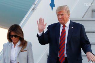 """""""Ваш любимый президент не делал ничего плохого"""": Трамп прокомментировал сексуальный скандал с моделью Playboy"""