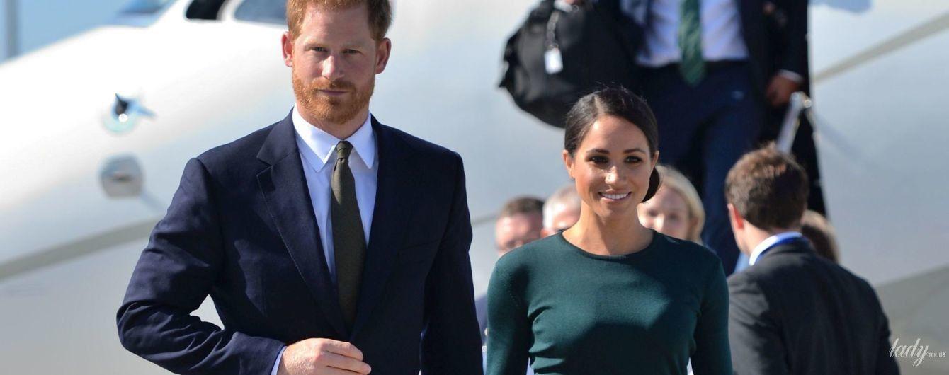 В обтягивающей юбке и полупрозрачной кофте: герцогиня Сассекская Меган с  принцем Гарри приехали в Дублин