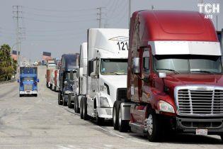 Влада готується рятувати дороги від перевантажених вантажівок