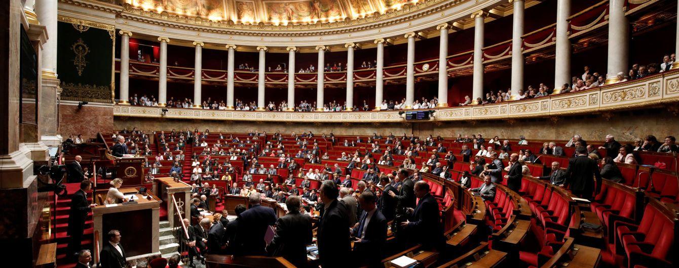 Парламент Франции принял антипропагандистский закон. Российские каналы под угрозой