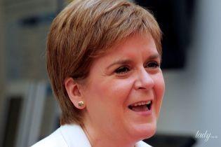 Повторила образ: перший міністр Шотландії Нікола Стерджен знову одягла сукню в горох