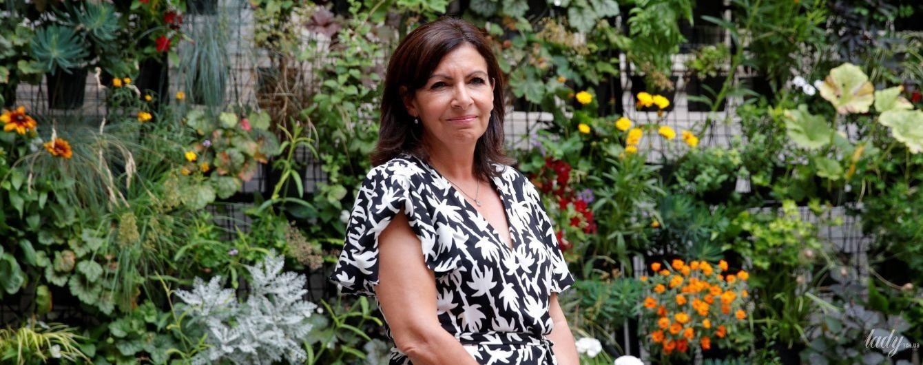 Выглядит как девочка: 59-летняя мэр Парижа Анн Идальго выбрала для встречи кокетливый образ