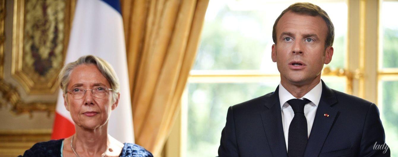 В платье небесно-голубого цвета: 57-летняя министр транспорта Франции в Елисейском дворце