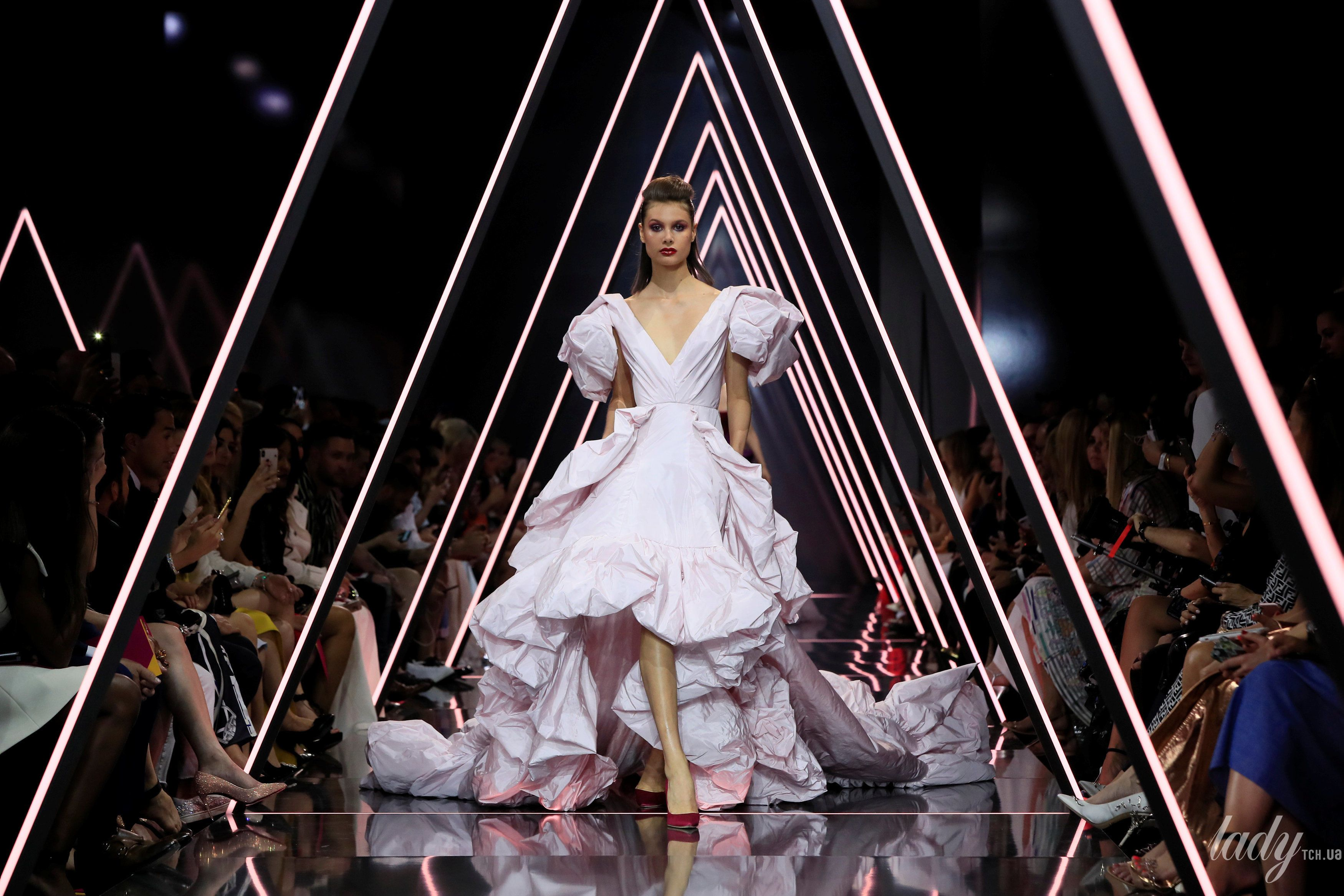 Показ Ralph & Russo Couture_18