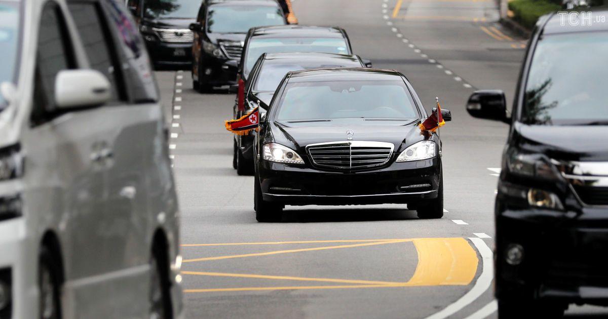 Cadillac, Mercedes и мотоциклы: как выглядели кортежи лидеров США и КНДР