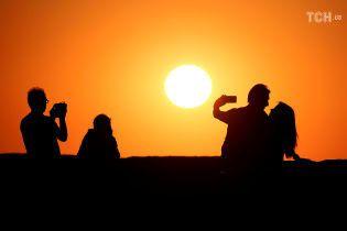 Всього потроху: Україну наступного тижня чекають спека і грози
