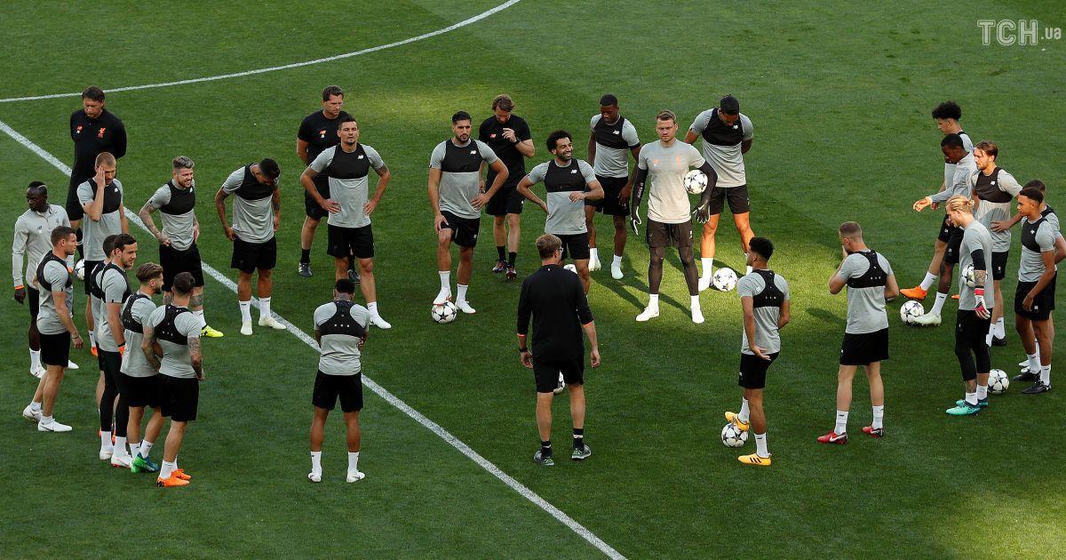 """""""Ліверпуль"""" провів тренування на """"Олімпійському"""" перед фіналом Ліги чемпіонів @ Reuters"""
