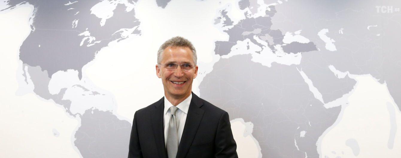 Порошенка запросять на саміт НАТО у липні - Столтенберг