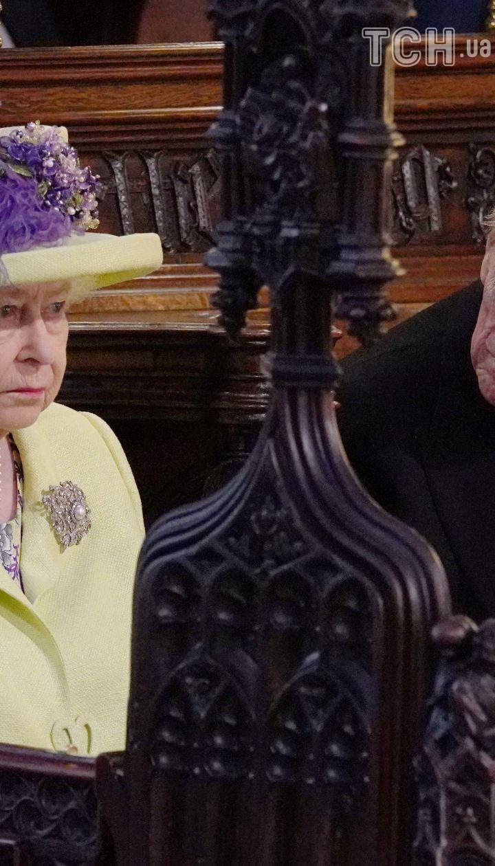 Королева Елизавета II с мужем