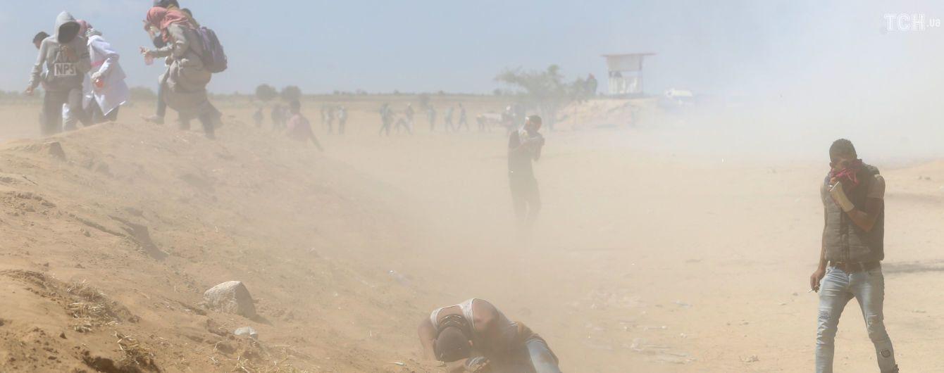 В столкновениях в секторе Газа погиб палестинец, пострадали 395 человек