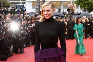 В эффектном платье с обнаженной спиной: стильная Кейт Бланшетт снова вышла на красную дорожку в Каннах