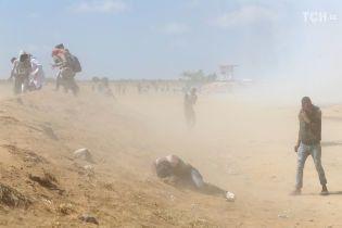 У сутичках в секторі Газа загинув палестинець, постраждали 395 осіб