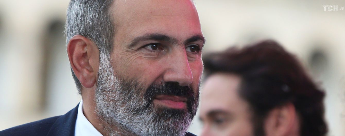Премьер-министр Армении подал в отставку