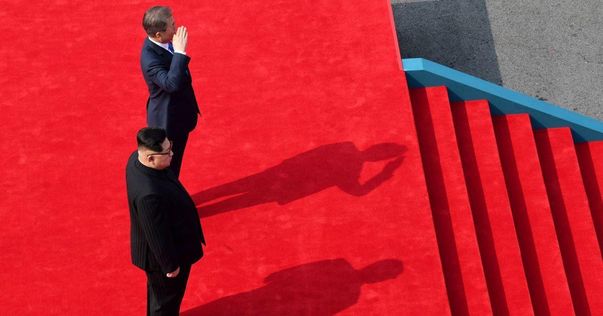 """""""Я приїхав, щоб покласти край конфронтації"""": Кім Чен Ин символічно перетнув кордон"""