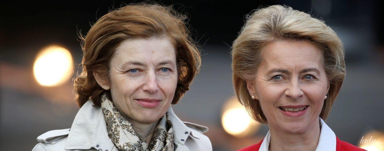 Битва образов министров обороны Германии и Франции: плащ Burberry vs красный жакет