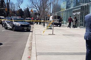 Поблизу парламенту Канади поліція затримала незнайомця з ножем