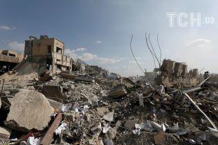 Фахівці ОЗХЗ взяли зразки у Думі, де відбулась хімічна атака