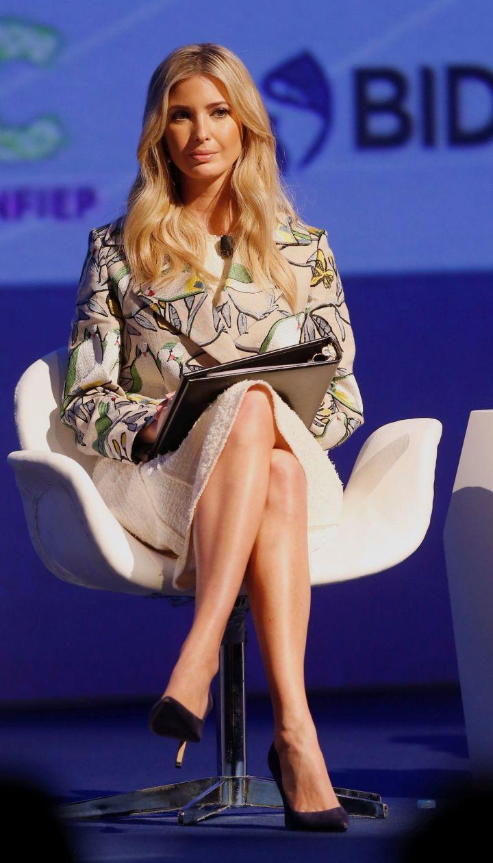Fack ivanka trump legs woman