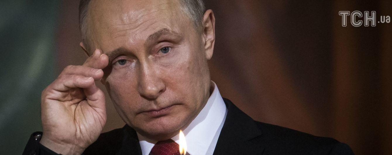 Координація з урядом у режимі онлайн. Пєсков розповів, як Путін реагує на обвал ринків