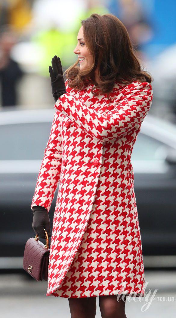 Герцогиня Кембриджская, третий триместр 2017-2018_16