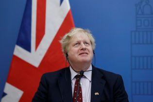 Жахлива поведінка забіяки. Глава МЗС Британії накинувся з критикою на Росію