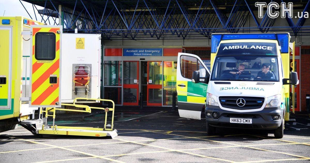 Сотрудники экстренных служб попали в больницу после выезда на место отравления Скрипаля