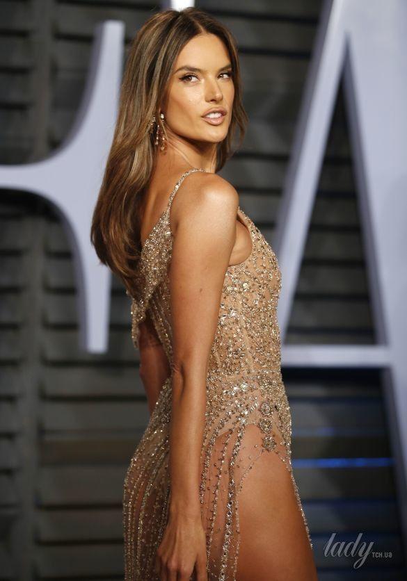 Откровенные образы звезд на Vanity Fair Oscar Party_10