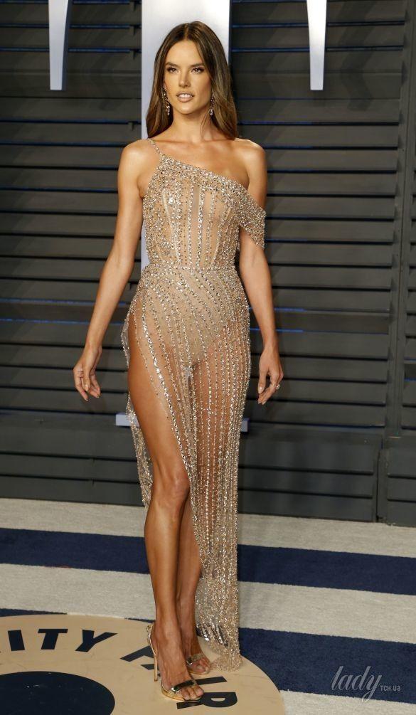 Откровенные образы звезд на Vanity Fair Oscar Party_12