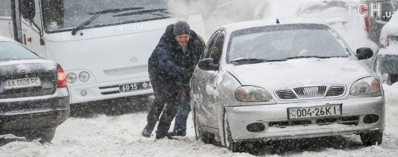 Київських підприємців оштрафували на 700 тисяч гривень за неприбраний вчасно сніг