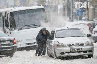 На Полтавщині через снігопад скасували автобусні рейси
