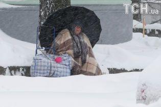 На Україну насувається сніговий циклон. Синоптики попереджають про хуртовини та сильний вітер
