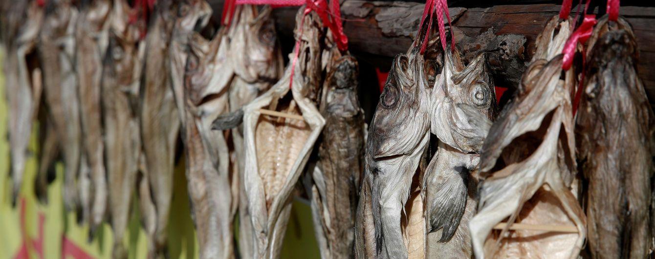 Ботулізм у в'яленій рибі: на Сумщині двоє чоловіків опинились в реанімації