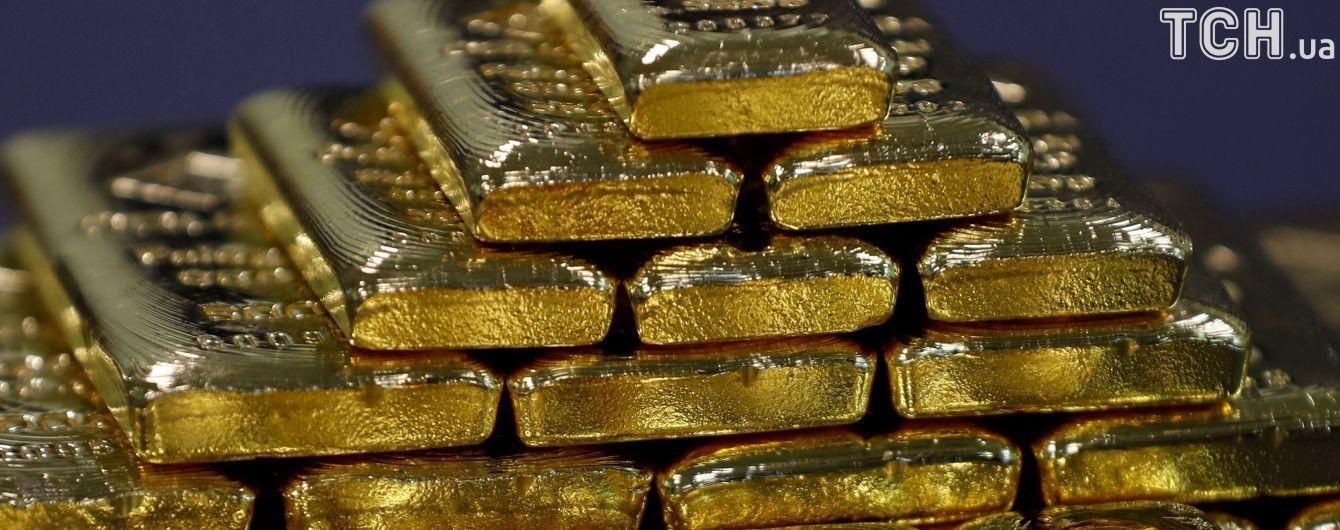 Золотовалютные резервы Нацбанка уменьшаются пятый месяц подряд