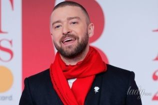 Битва стильных образов: Джастин Тимберлейк vs Эд Ширан на красной дорожке церемонии Brit Awards