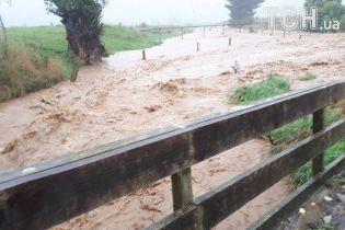 На Нову Зеландію налетів циклон, який вже спустошив державу на Фіджі