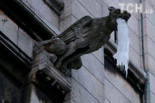 Бурулькова загроза: центр Києва став небезпечною для пересування зоною