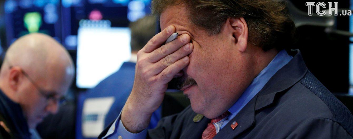 Основной промышленный индекс США Dow Jones резко упал
