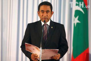 Политический кризис на Мальдивах: армия окружила парламент, а оппозиция добивается импичмента президента
