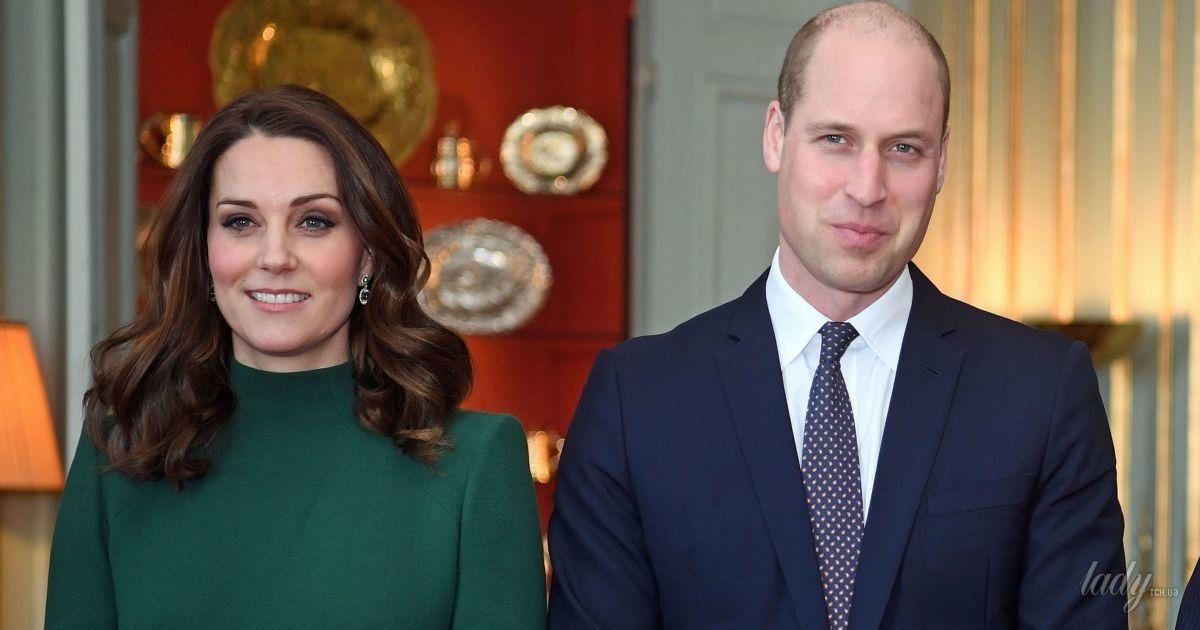 Герцогиня Кембриджская подчеркнула беременный живот изумрудным платьем