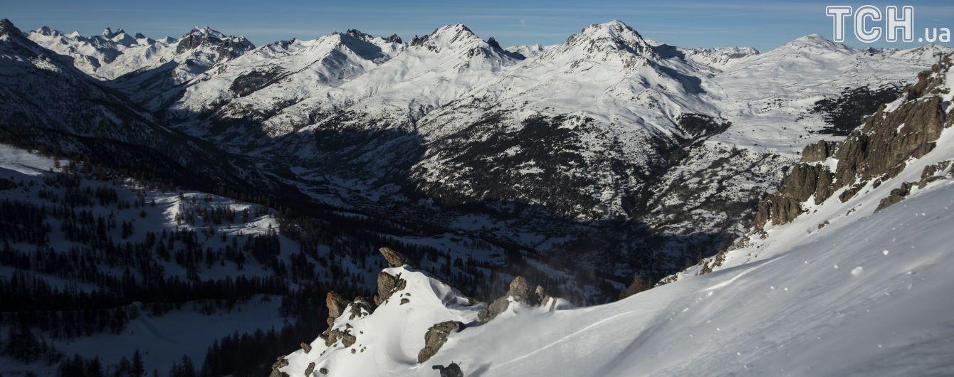Кількаметрові кучугури й лавини: у французьких Альпах заблоковані сотні туристів