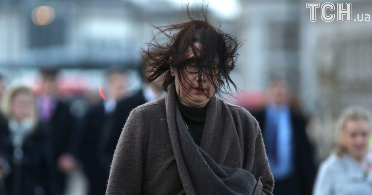 Сильный ветер, дождь и гололед. Украине дали штормовое предупреждение
