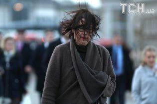 Сильний вітер, дощ та ожеледь. Україні дали штормове попередження