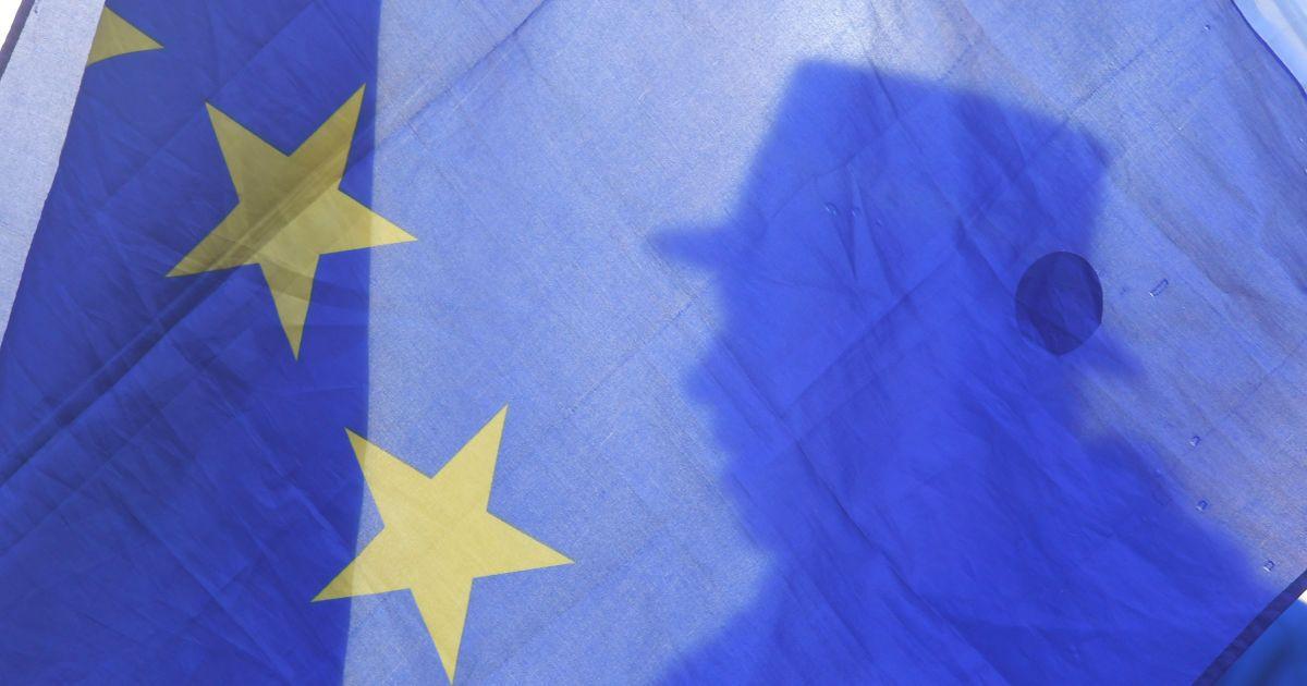 Рада ЄС остаточно ухвалила виділення мільярда євро для України
