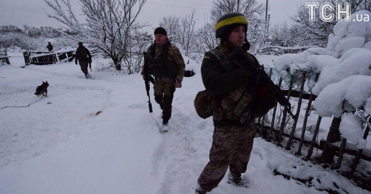 Украинские военные освободили от боевиков село на Луганщине