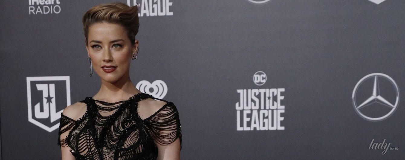 В вечернем платье с эффектным разрезом: Эмбер Херд на премьере фильма в Голливуде