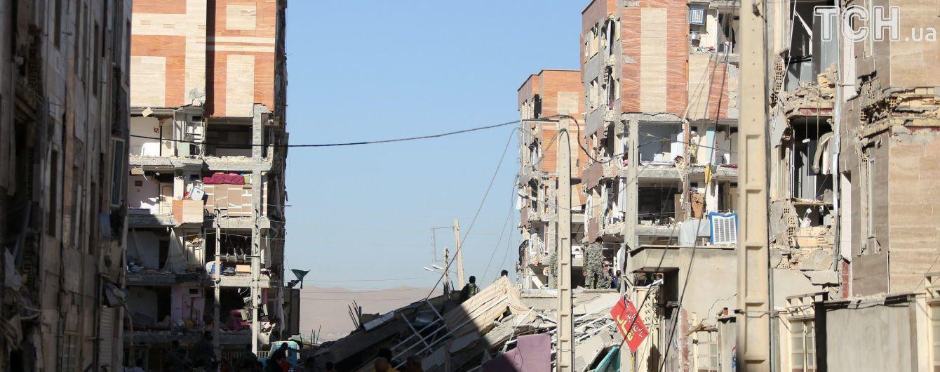 После кровавого землетрясения в Иране объявили день траура